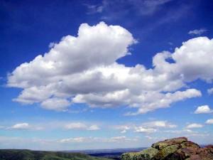 Cumulus_clouds_in_fair_weather.jpeg
